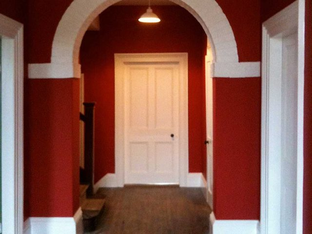 http://www.everettpainting.biz/wp-content/uploads/2020/06/red_hall_before-640x480.jpg