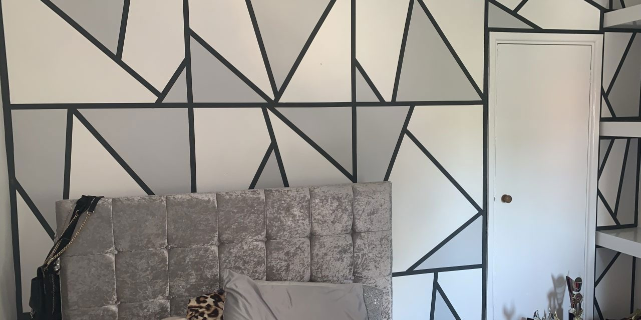 https://www.everettpainting.biz/wp-content/uploads/2020/05/geometric-feature-wall-1280x640.jpg